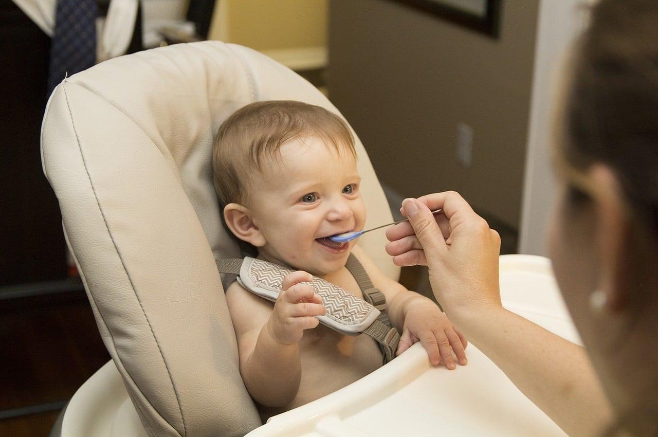 quand commencer les féculents pour bébé
